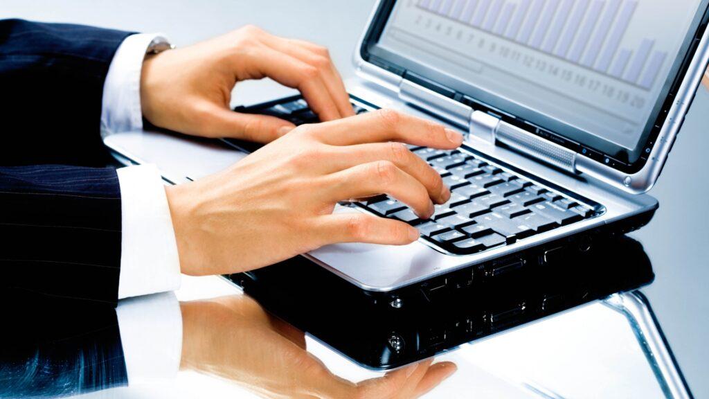 Foto tastatură laptop