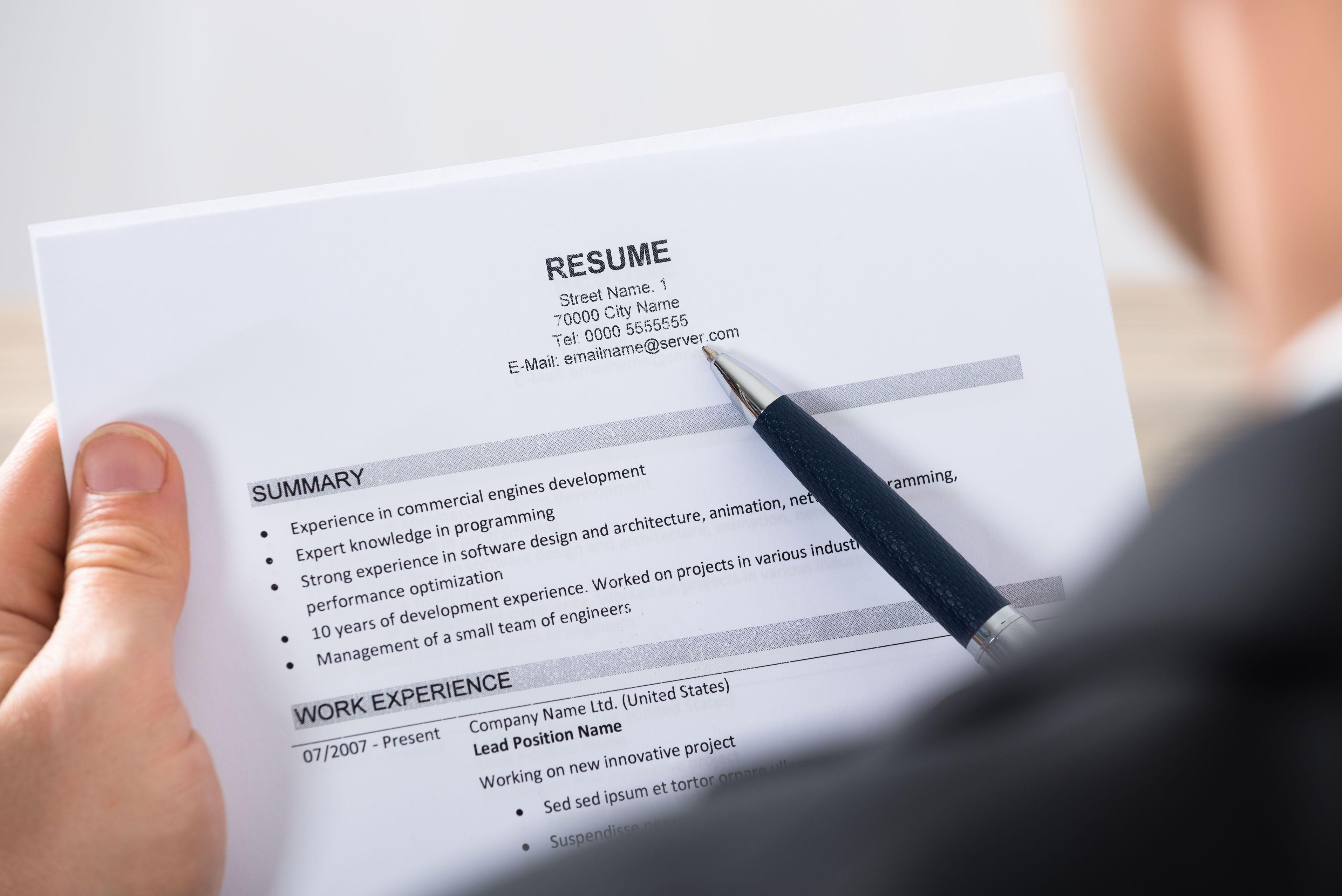 5 lucruri pe care orice recrutor trebuie să le caute în cv urile
