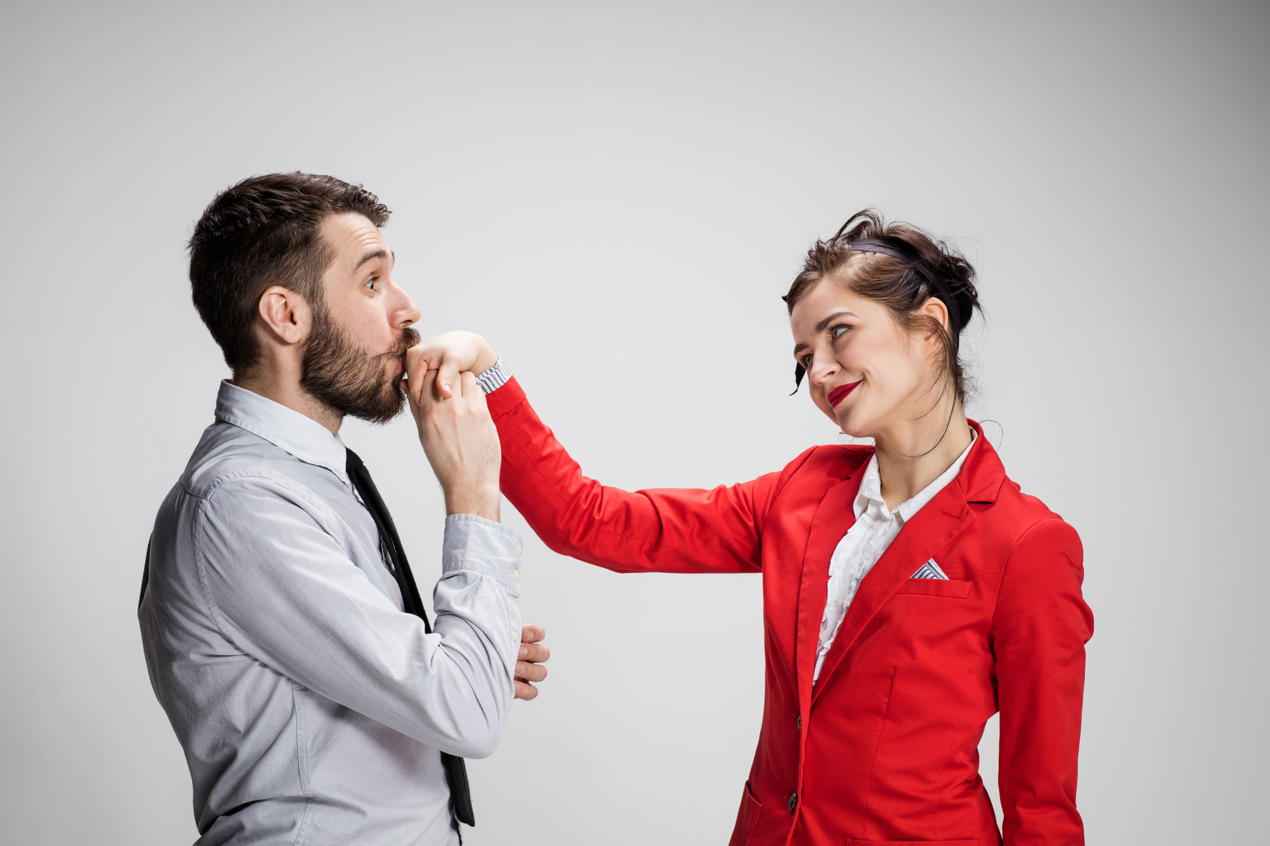 Dragostea la birou: Unul din doi români a avut o relație cu un coleg