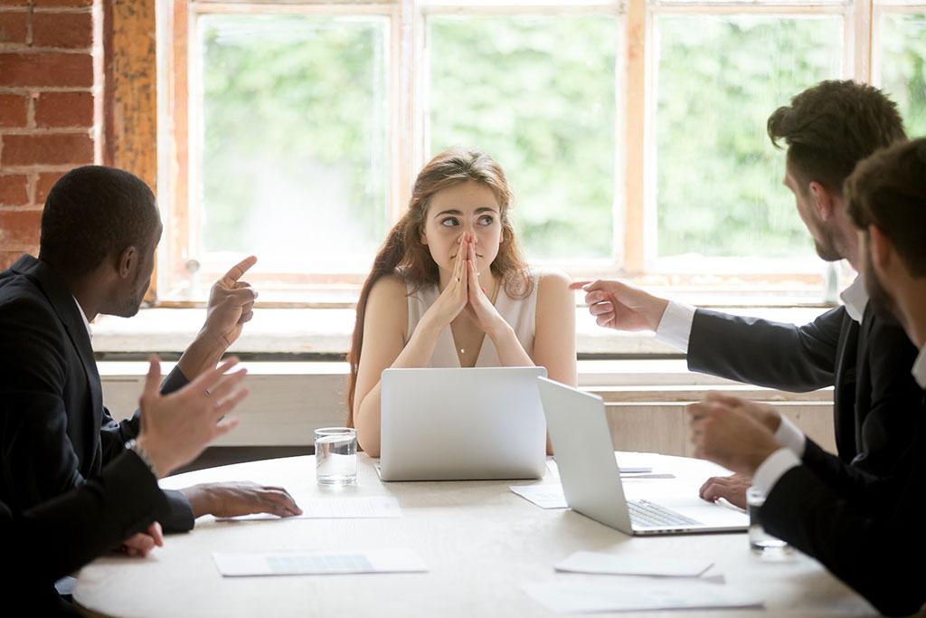 5 lucruri pe care să nu le spui niciodată la job