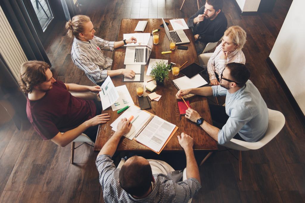 ședințele de la birou