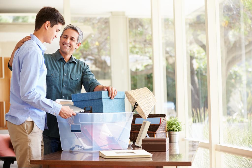 Cum îți sprijini copilul în găsirea primului job